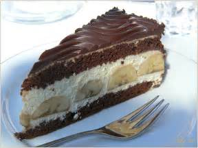 vanillepudding kuchen mit schokoglasur quot irmis quot k 246 nigliche bananentorte foto bild stillleben