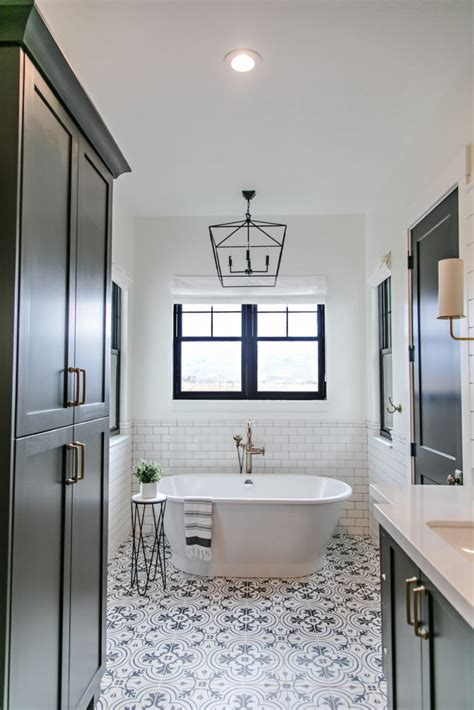 smi modern farmhouse master bedroom and bathroom sita