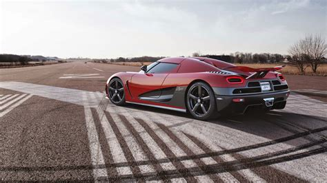 red koenigsegg agera r wallpaper koenigsegg agera r hd wallpapers walls720