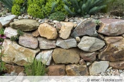 steine versiegeln bruchsteinmauer selber bauen und richtig verfugen