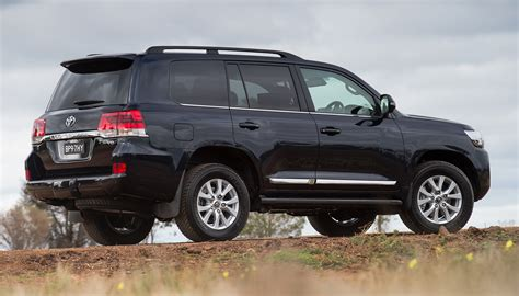 land cruiser car 2016 2016 toyota landcruiser 200 series revealed october