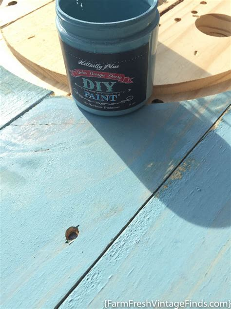 21 simply beautiful ways to use chalkboard paint on a how to use diy chalk type paint as a stain farm fresh