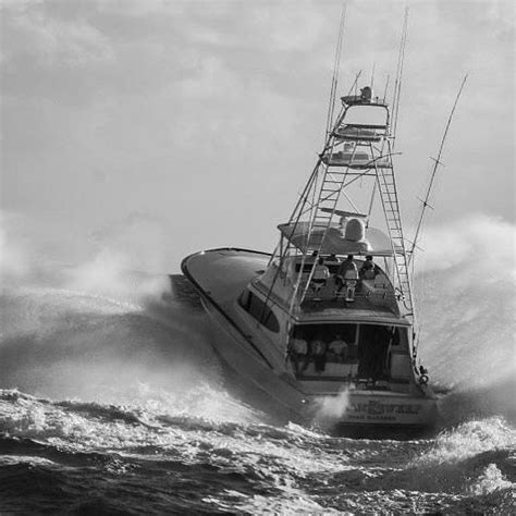 yellowfin boats in rough seas bayliss quot clean sweep quot blasting through some rough seas