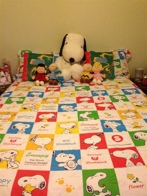 snoopy bedroom 106 best images about share your snoopy room on pinterest