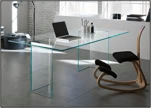 schreibtisch ikea glasplatte 25 best ideas about ikea glass desk on vanity