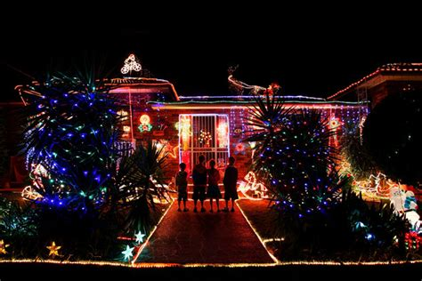 christmas lights illuminate suburban sydney zimbio
