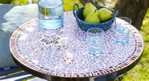 diy une table de jardin en mosa 239 que prima