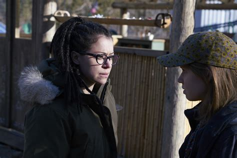 tentang film orphan black orphan black sarah unlocks a secret in new photos from