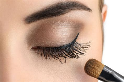 Makeover Powder Eye Shadow tips on eye makeup for 50 to make them look