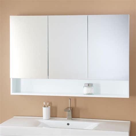 white bathroom medicine cabinet best 25 white medicine cabinet ideas on white