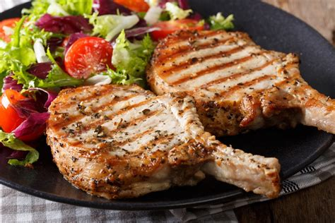 Fast Easy Dinner Chops With Tomatoes by Whole 30 Garlic Butter Pork Chops In The Airfryer Recipe