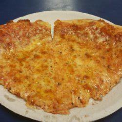 supreme house of pizza supreme house of pizza subs 17 foto s 44 reviews pizza 376 centre st