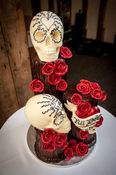 Hochzeitstorte Totenkopf by 18 Besten Totenkopf Hochzeitstorten Bilder Auf