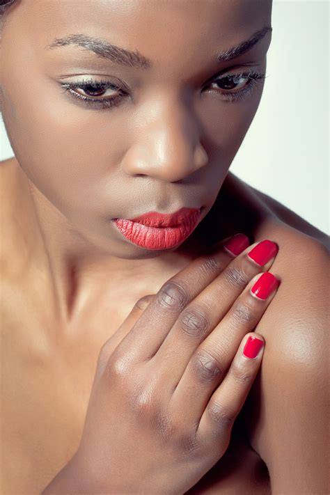 best nail color for brown skin 4 misconceptions of choosing nail colors for brown skin