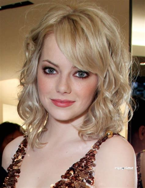 natural blonde pubic hair color emma stone glowing color