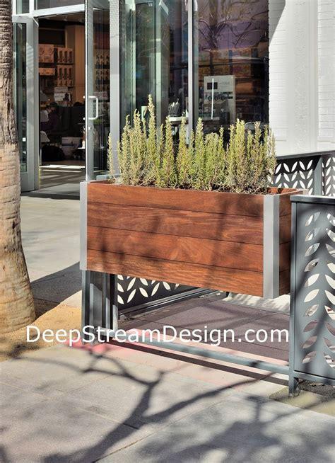 restaurant patio planters 1000 ideas about restaurant patio on
