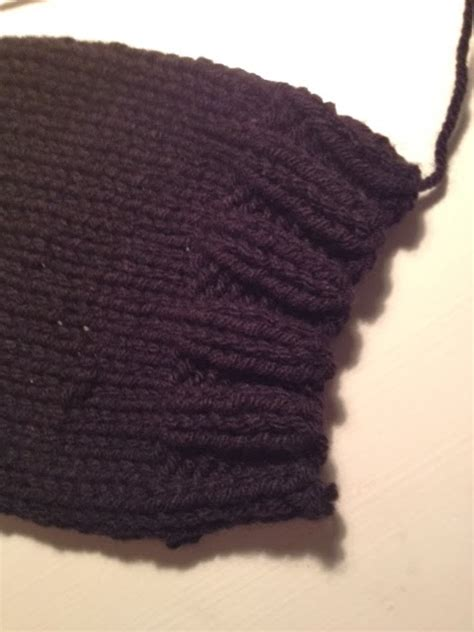 how to knit two sides together twocreativewomen diy easy knit fingerless gloves