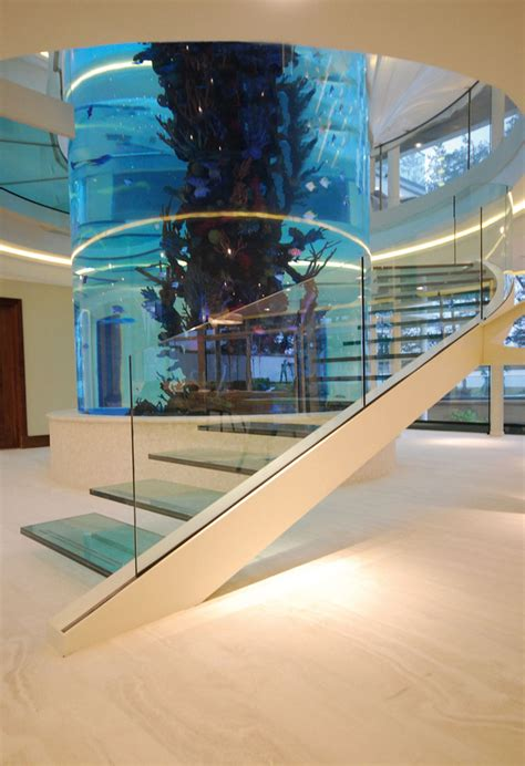 Escaleras Mansion #4: Diapo_Gleneagles_Cantilever_Glass_Staircase_3.jpg