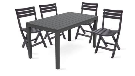 table jardin plastique  chaises pliantes