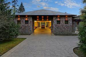Garage Under House Designs modern house garage under house design and decorating ideas