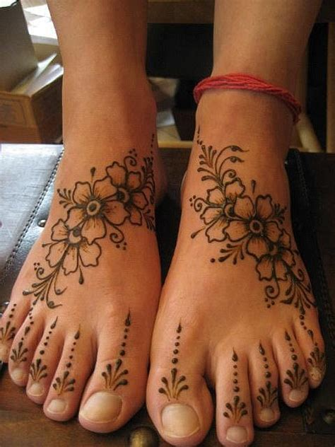 henna tattoo design foot 25 best ideas about henna foot on