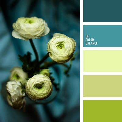 Jewel Tone Bedroom насыщенный сине зеленый цвет In Color Balance