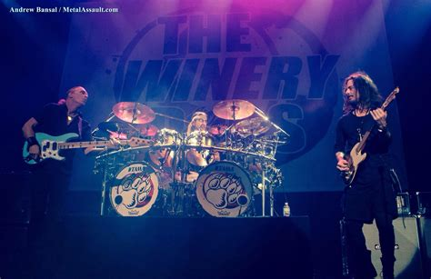 winery dogs the winery dogs make triumphant return to saban theatre metal assault gig reviews