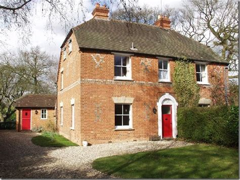 kate middleton home royalty kate middleton s family home in bucklebury berkshire
