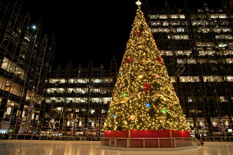 6 Ways To Have Fun This Winter In Pittsburgh 90 5 Wesa Lights Pittsburgh