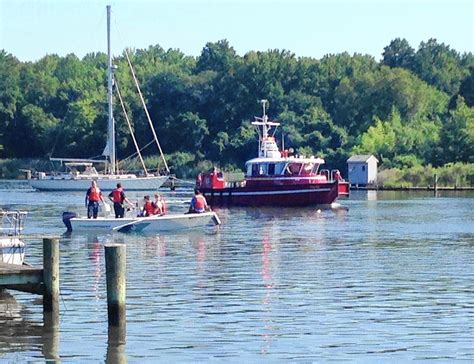 the boat pasadena divers recover body of man who fell off boat in pasadena