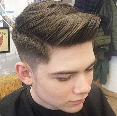 trendy hairstyles for men in their 20s 20 best short hairstyles for men mens hairstyles 2018