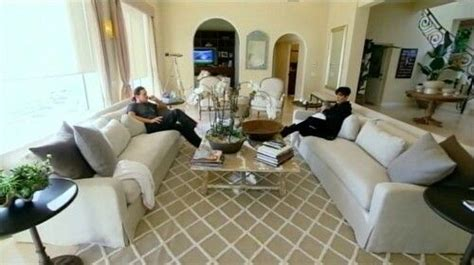 kris jenner living room 301 moved permanently