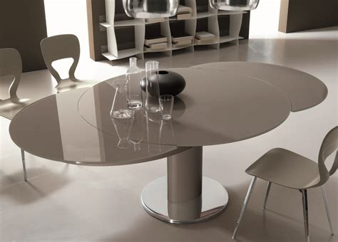 large round extending dining table