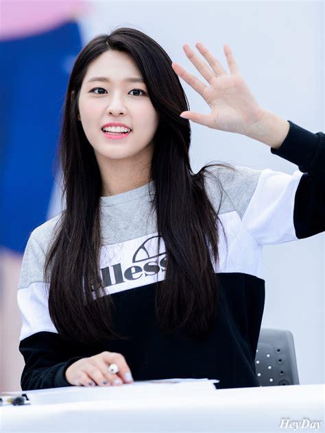 kim s kim s good looking siblings aoa seolhyun kimrowoon sf9