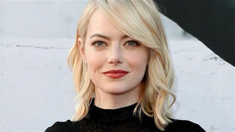 emma stone education emma stone says her male co stars take pay cuts for her