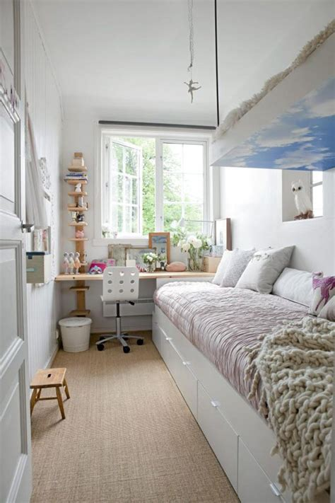 Bedroom Layout Narrow Room How To Decorate A And Narrow Bedroom