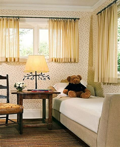short bedroom window curtains 1000 ideas about short window curtains on pinterest