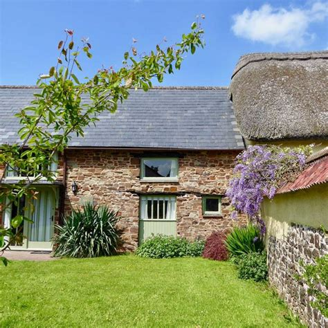 accessible holiday cottages south coombe devon disabled
