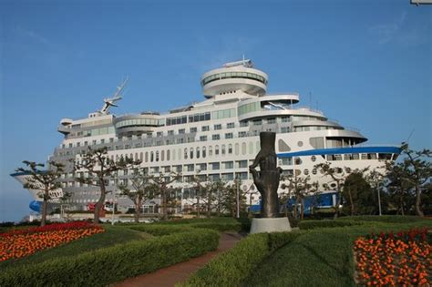 resort cruise view of hotel from the sculpture park picture of sun