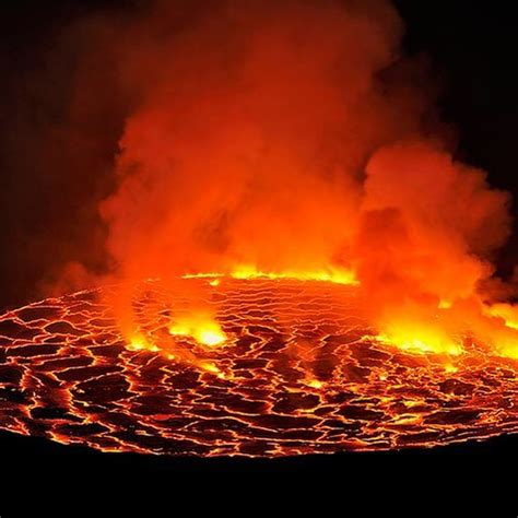 Visiting The World S Largest Lava Lake Mount Nyiragongo