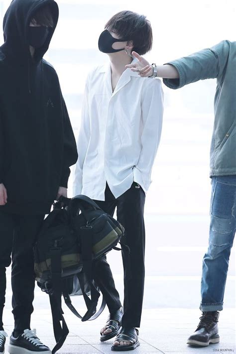 Simple Airport Outfits