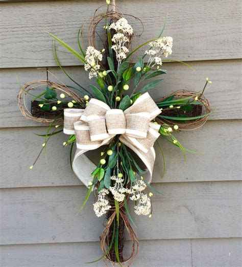 Front Door Wreath Hanger 25 Best Ideas About Wreath Hanger On Garden Hose Wreath Summer Decorating And