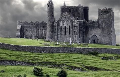 ireland travel guide top things to see and do accommodation food drink typical costs dublin connemara doolin abbeyleix glendalough dingle town galway city cashel cork city kilkenny city books 10 best places to visit in ireland journalist on the run
