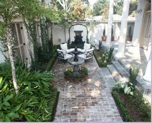 Style Courtyards by Alamodeus Captivated By Courtyards