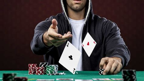 jogador de poker   mais nova profissao da moda veja ganhos