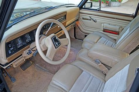 1990 jeep wagoneer interior 1990 jeep grand wagoneer information and photos momentcar