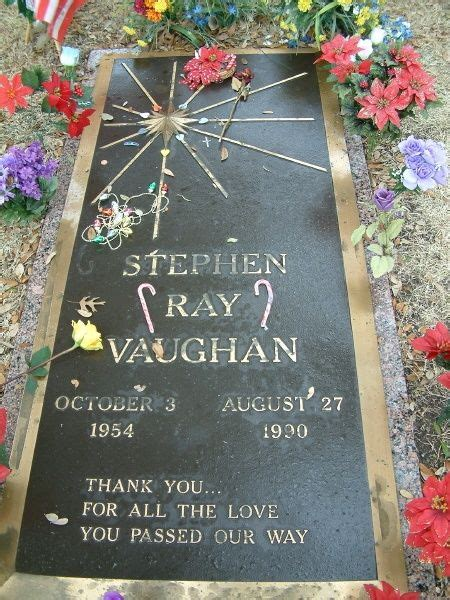 stevie ray vaughan killed  helicopter crash died  years   day   dad famous