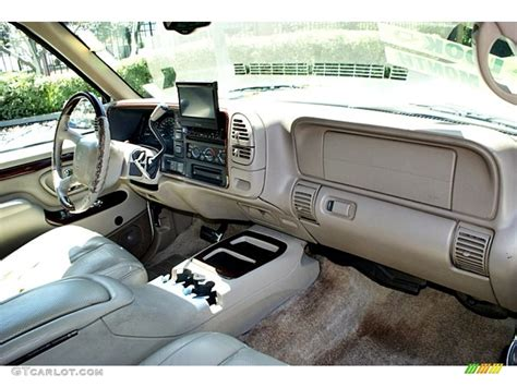 99 Chevy Tahoe Interior by 07 Tahoe Interior Pictures To Pin On Pinsdaddy