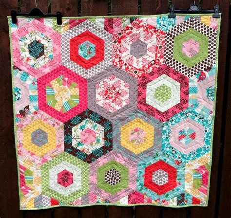 Hexagon Quilts Patterns by Poppy Makes Modern Hexagon Baby Quilt