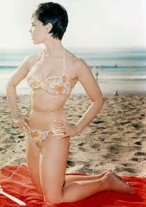 Vintage everyday beautiful photos of yvonne craig in bikini ca 1960